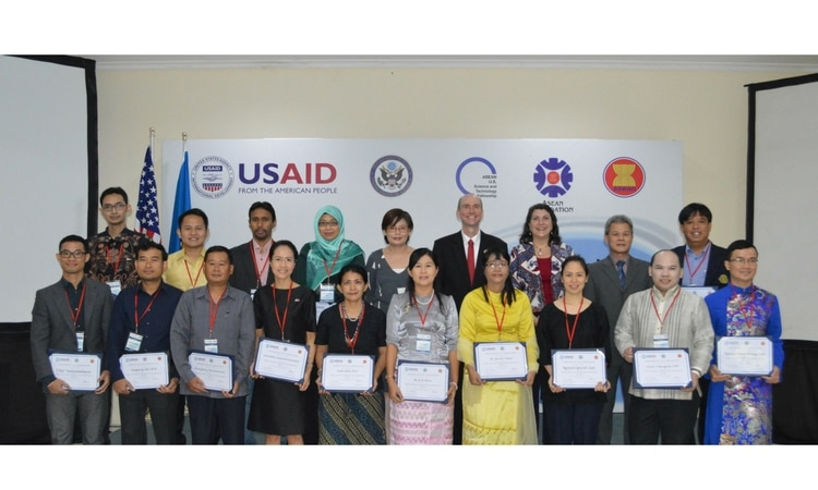 CDA Shields with US-ASEAN S&T Fellow of 2016-2017